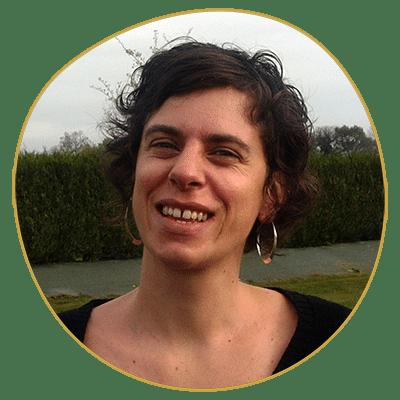 Magali Deme Rodriguez enseigne à l'école Réflexologie Bretagne
