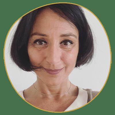 Marion Seigneur enseigne à l'école Réflexologie Bretagne