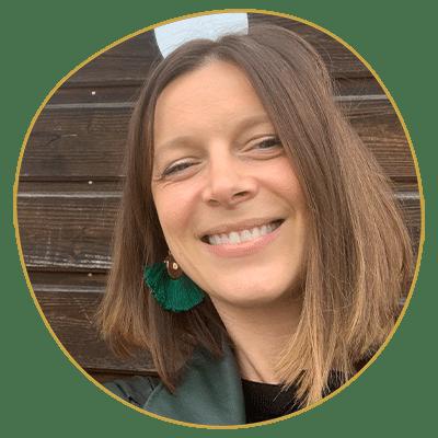 Mathilde Royer enseigne à l'école Réflexologie Bretagne