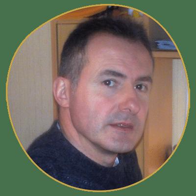 Olivier Becouze enseigne à l'école Réflexologie Bretagne