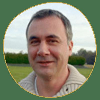 Yannick Jacquemin enseigne à l'école Réflexologie Bretagne